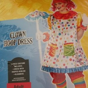 Complete Woman's clown custome for halloween